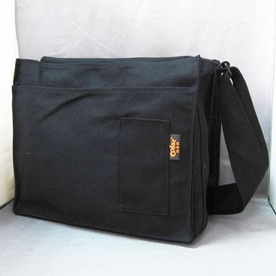 黑色帆布側背書包